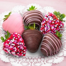 6 Love Berries Chocolate Covered Strawberries