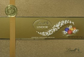 Lindt Lindor Assorted Chocolate Gift Box, 9.7 Ounce (Pack of 8)